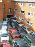 Депутаты Петербурга предлагают запретить парковать автомобили рядом с жилыми домами