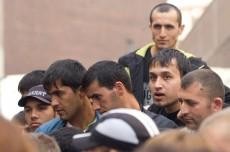 Долгострой в Московском районе освободили от проживающих в нем 450 незаконных мигрантов
