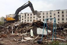 Пять расселенных домов в Невском и Красносельском районах продали под снос