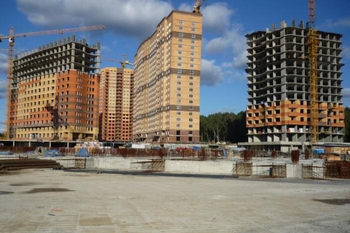 Темпы строительства жилья в России падают