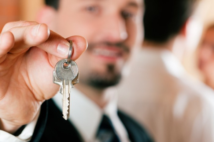 У кого выгоднее купить квартиру в новостройке: у застройщика или риелтора?