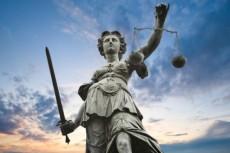 Жилье для судей высших судебных инстанций могут построить в спальных районах Петербурга