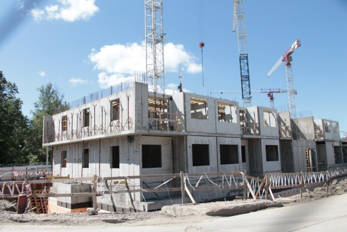 """ЖК """"Стереос"""": многоэтажный комплекс на зеленой окраине"""