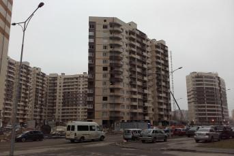 """ЖК """"Весна-2"""": внешне скучный, но по-своему уютный кирпич-монолит от """"ЦДС"""" в Кудрово"""
