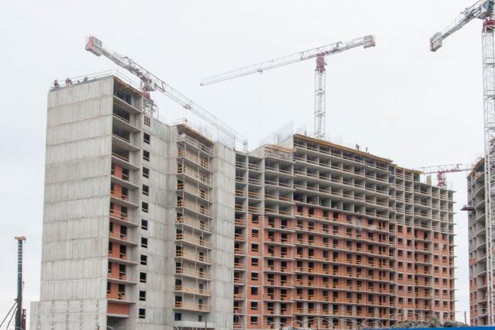 """Эко-квартал """"Полис на Комендантском"""" дорос до 15 этажа"""