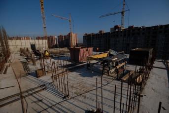 """На стройплощадке проблемного ЖК """"ТриДевяткино Царство"""" возобновились работы"""