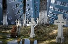 На стройплощадке жилого комплекса рабочие обнаружили гробы с человеческими останками