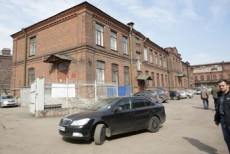 Территорию бывших складов Красного креста в Петербурге отдадут под жилую застройку