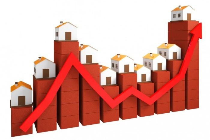 В Петербурге цены на недвижимость выросли, а в Ленобласти упали