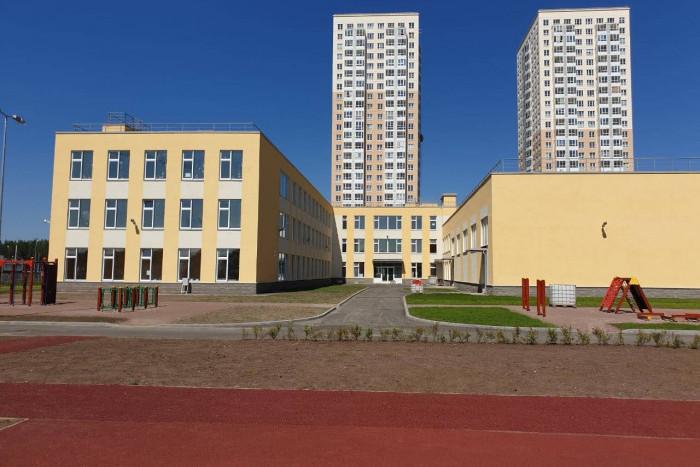 """В ЖК """"Новоорловский"""" построили школу"""