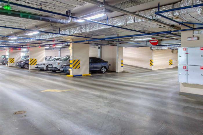 """Выгодные предложения на паркинг в комплексах """"Группы ЛСР"""" в августе!"""